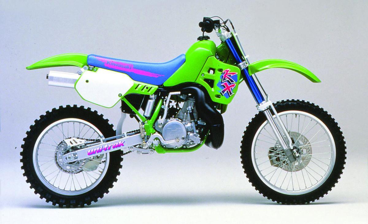 Kawasaki KX500  uma moto que você precisa pilotar antes de morrer e7de897b2a