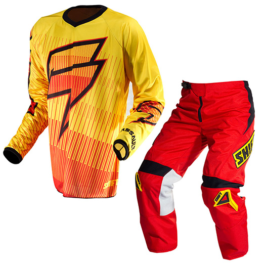 Kit Cal�a + Camisa Shift Zero